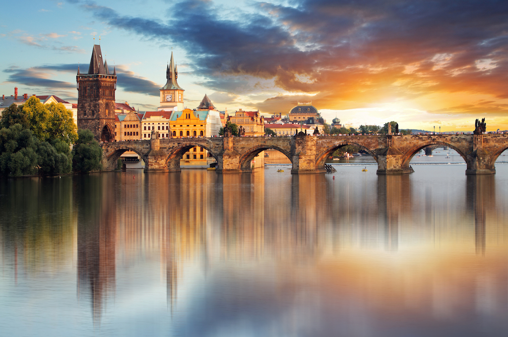 Puente sobre el río Moldava. Praga