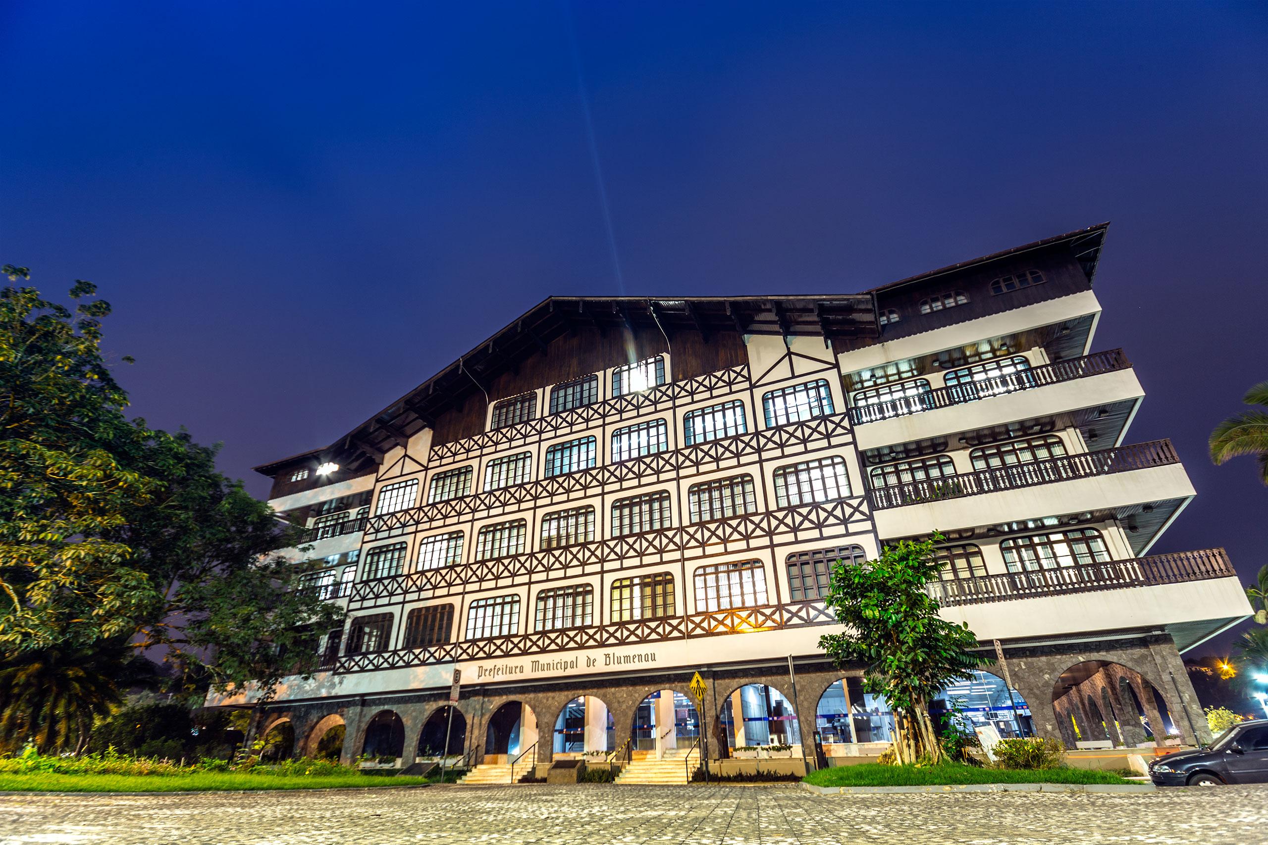 Resultado de imagen de Ayuntamiento de Blumenau Brasil