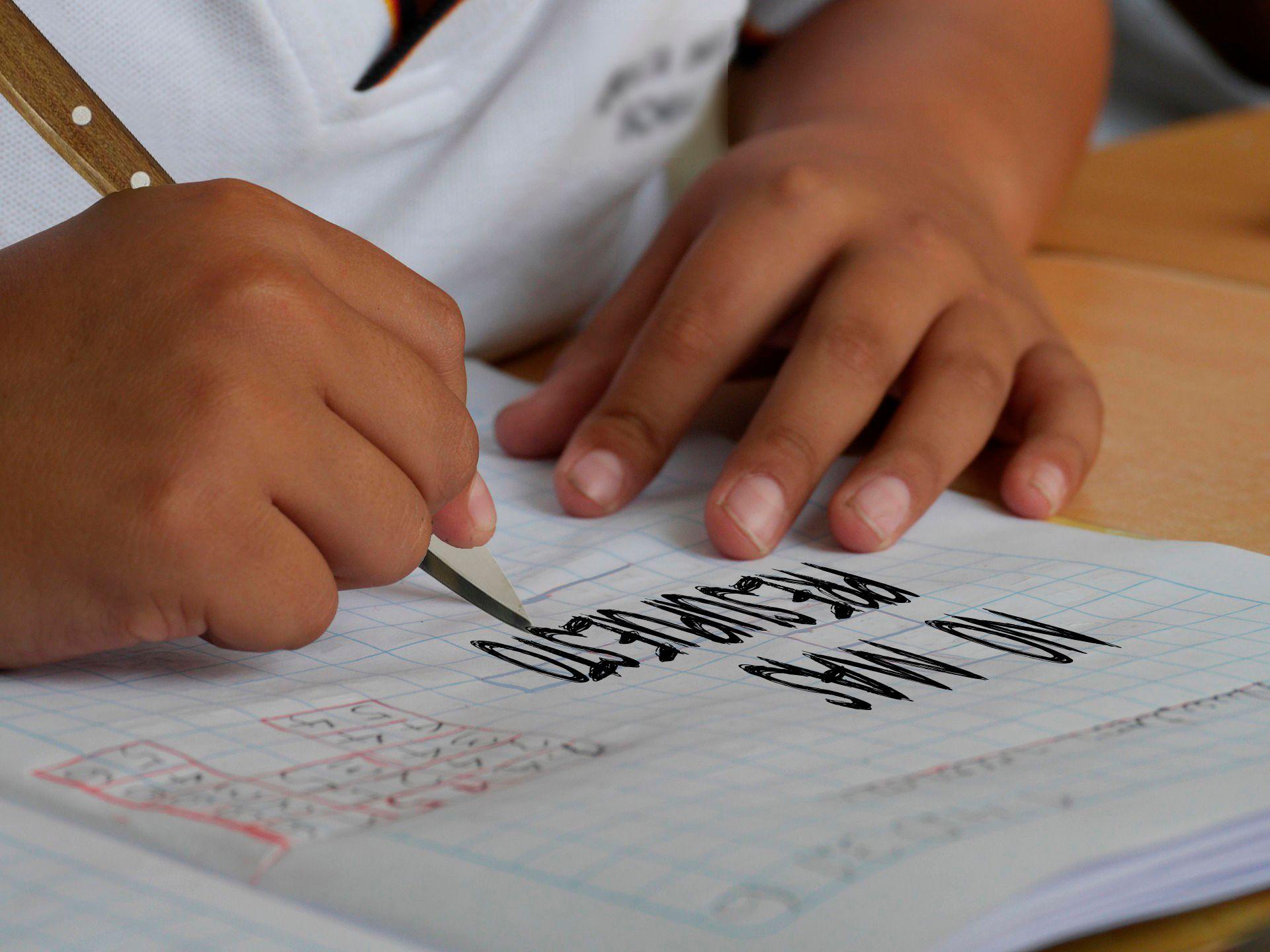 Maestra torturada en Moreno por falta de educación