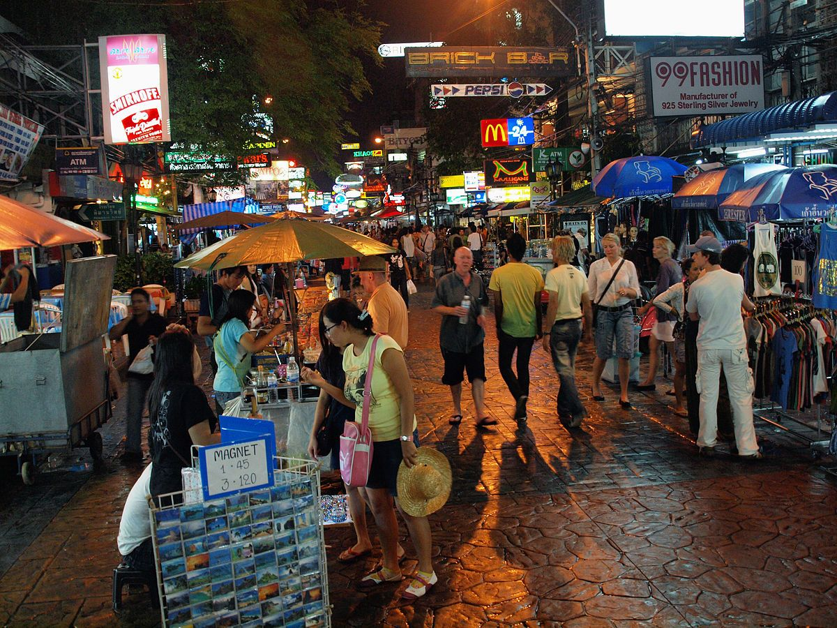 Khao San Road at night by kevinpoh.jpg