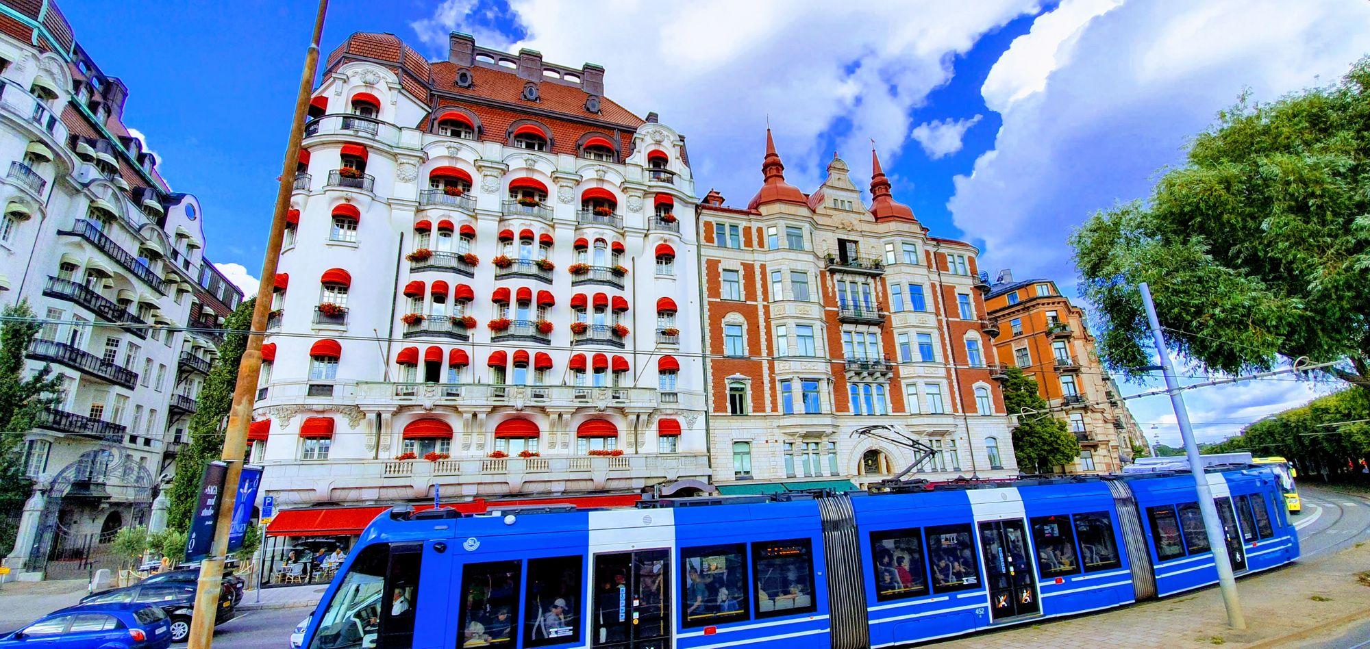 Parte del colorido de Estocolmo son sus tranvías