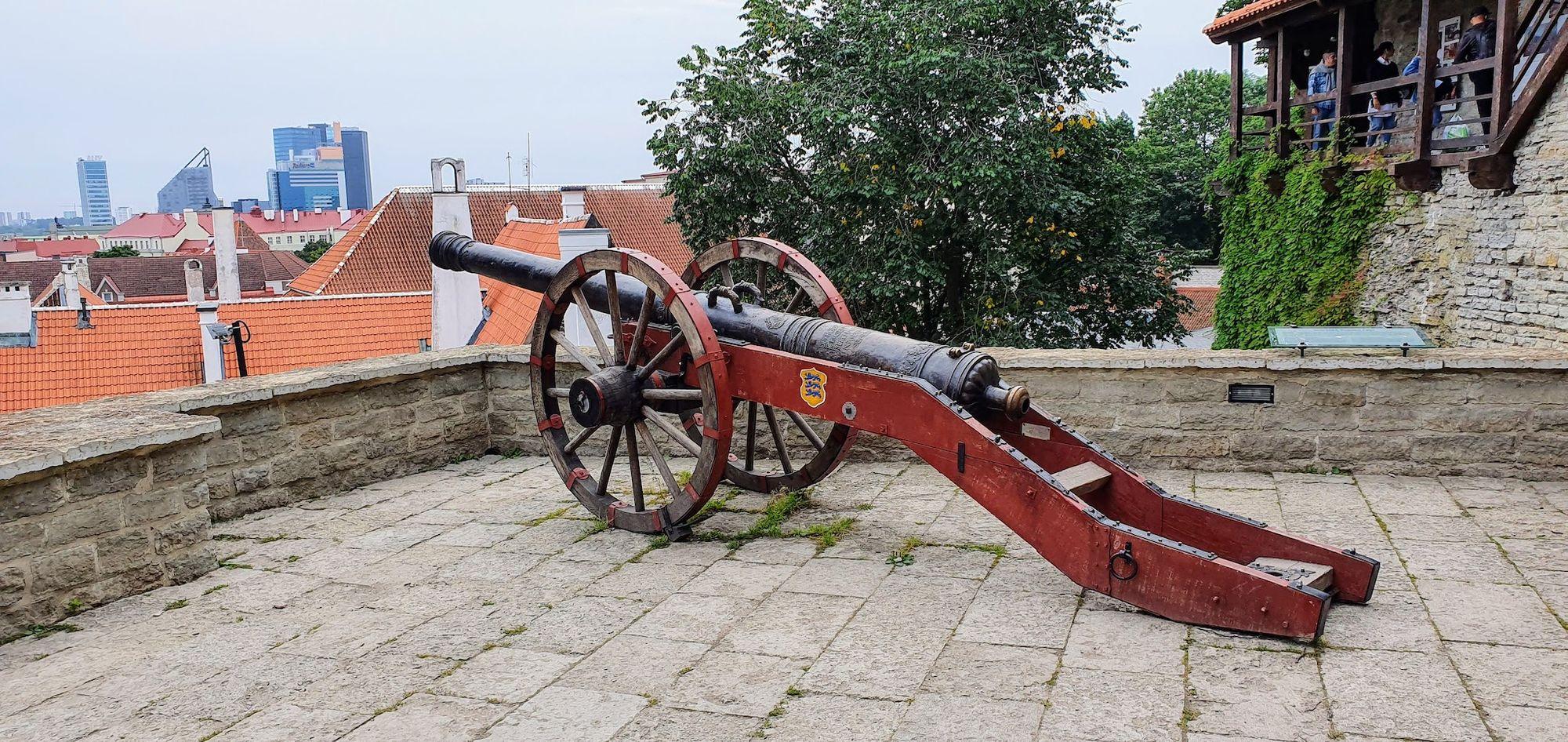 Defensas de la ciudad amurallada de Tallinn