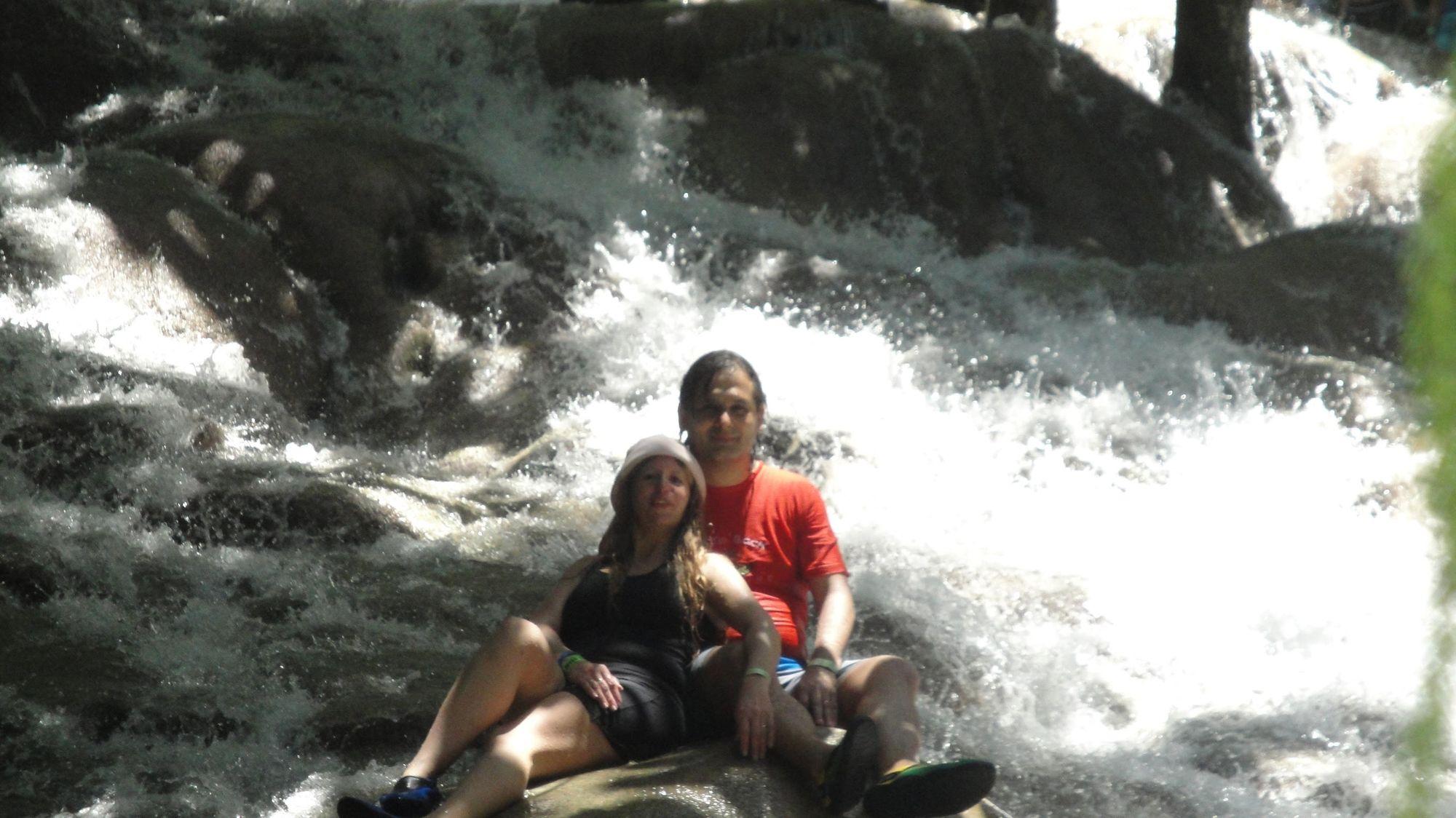 Trepando las cascadas del Rio Dunn en Jamaica